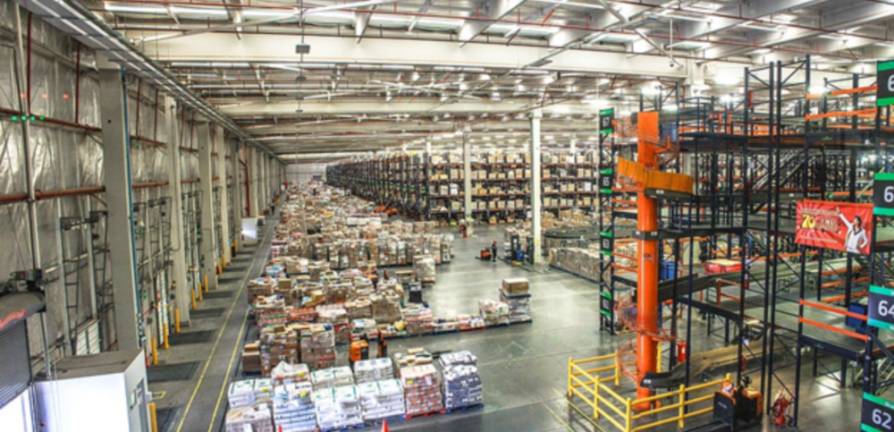 The Best Commercial Cleaning Services for Distribution Centers image 2000 x 966