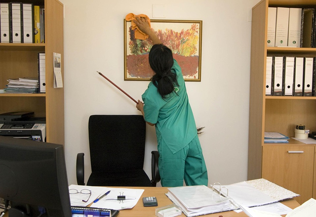 3 Things You Need to Know About Hiring a Janitorial Service blog image